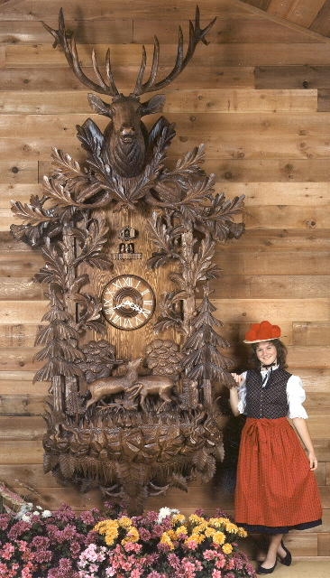 World S Largest Real Cuckoo Clock Over 100 Different